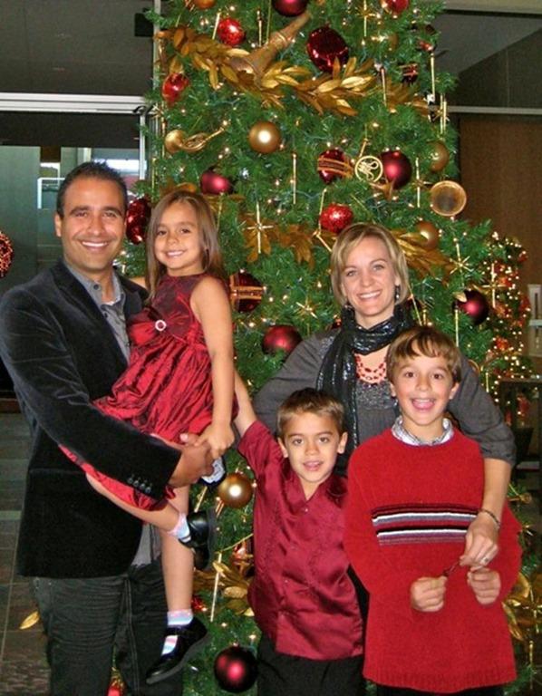 Julio-Arriola-family-Christmas-blog.jpg